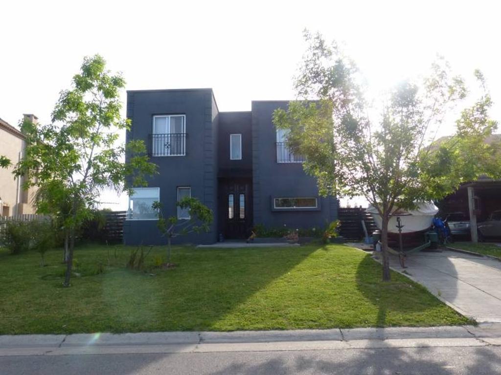 Casa a la venta a la laguna en el barrio san Agustin Villa Nueva Tigre