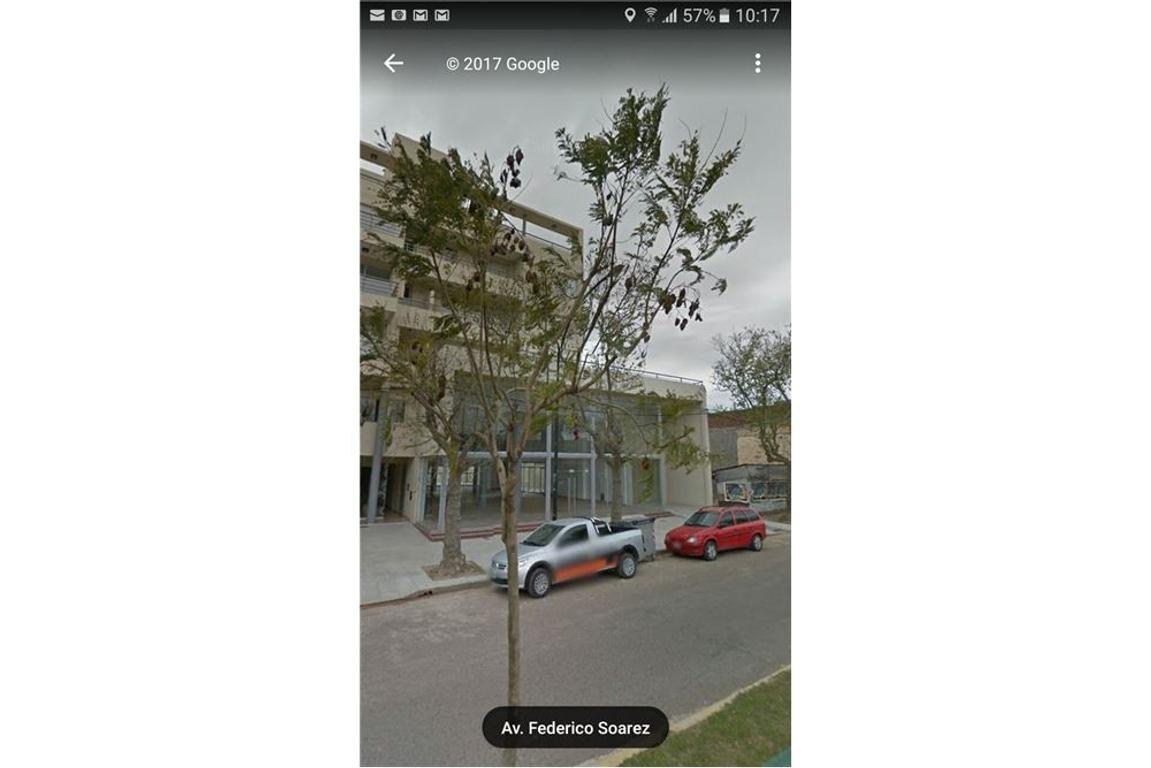 Venta amplio local estacionamiento sobre avenida
