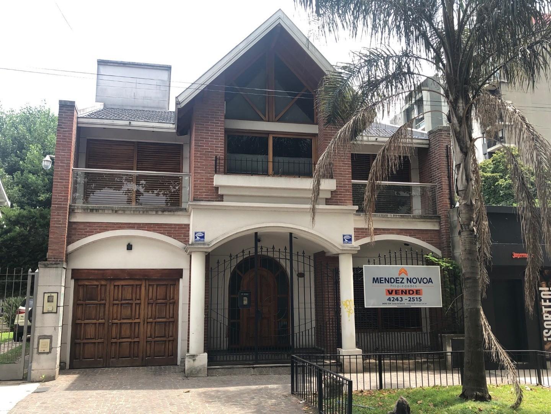 Casa en Venta en Lomas De Zamora - 4 ambientes
