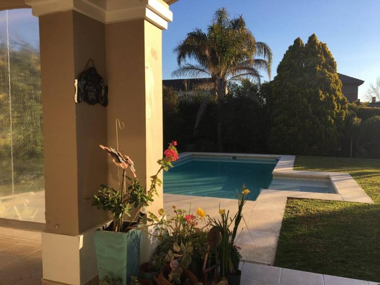 Casa en Venta - USD 390.000