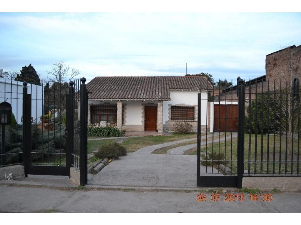 Casa en alquiler en avenida hipolito yrigoyen 19700 glew for Casas de alquiler en
