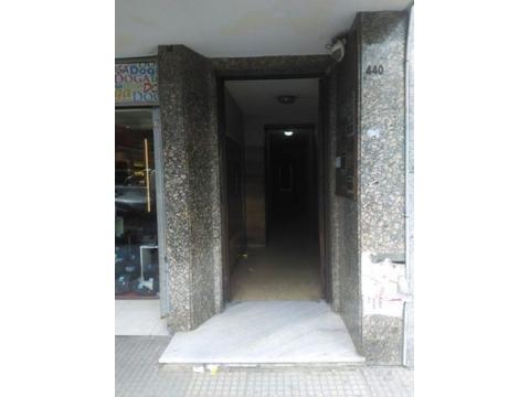 Oficina - Alquiler - Argentina, Lomas de Zamora - LAPRIDA  AL 400