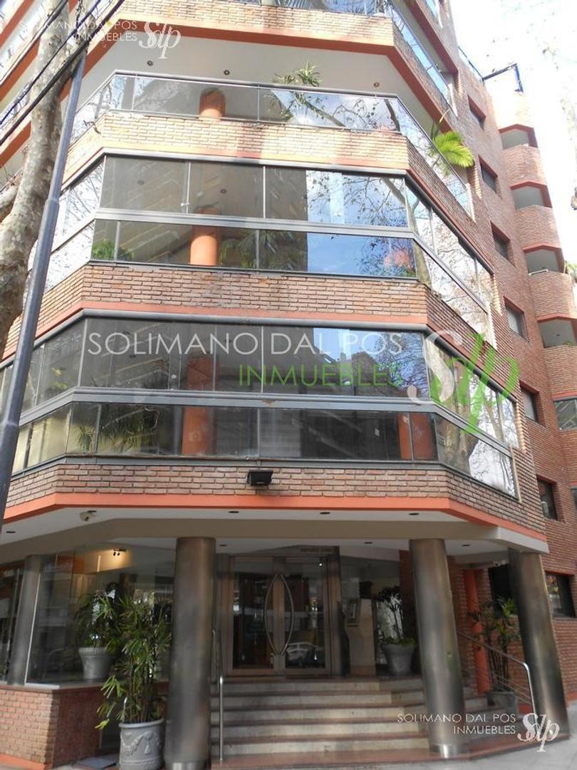 Importante piso en dúplex de 300 m2, mas terraza propia - Las Cañitas