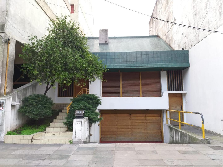 Casa en Venta en Caseros - 6 ambientes
