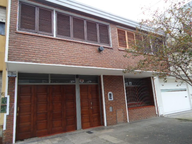 Casa de 3 dormitorios y garage, casi 6 y 37