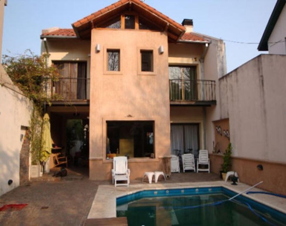 Venta Excelente casa con pileta en Vicente Lopez