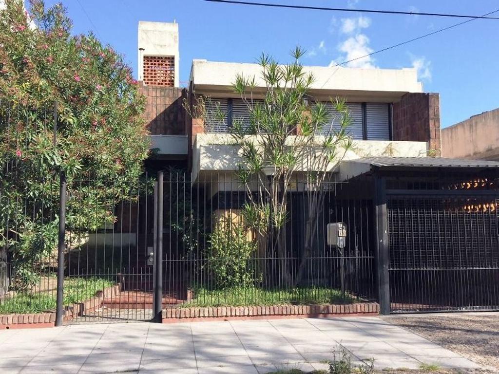 XINTEL(BRI-BR7-139029) Casa - Venta - Argentina, Vicente López - GENERAL LAVALLE  AL 5200