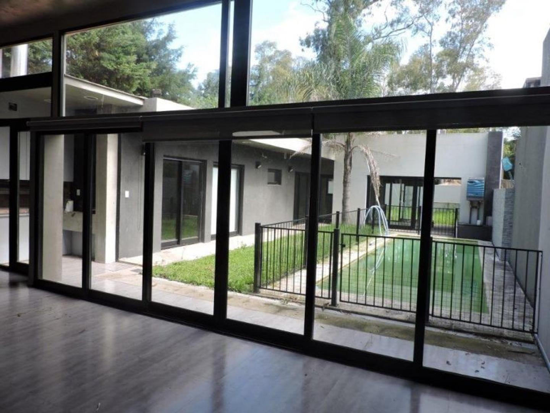 XINTEL(INB-IN1-2227) Casa - Alquiler - Argentina, Berazategui - CALLE 132 6377