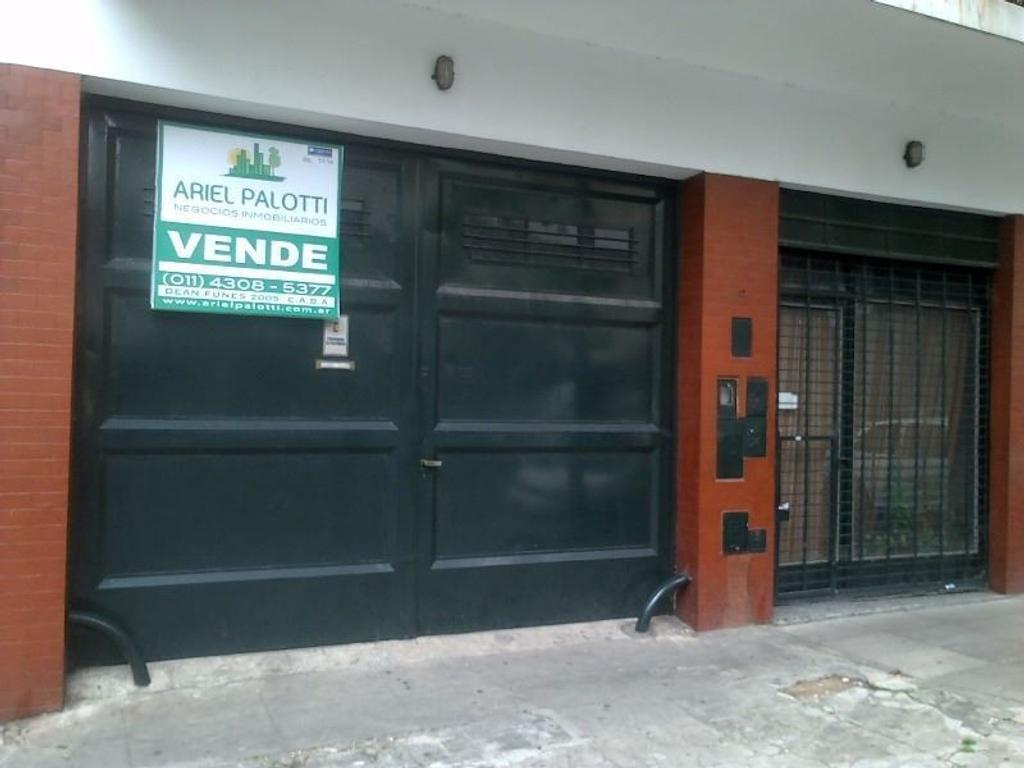 Venta Local con depto en primer piso en block, sobre Lote Propio - Barracas. CONSULTE FINANCIACION!