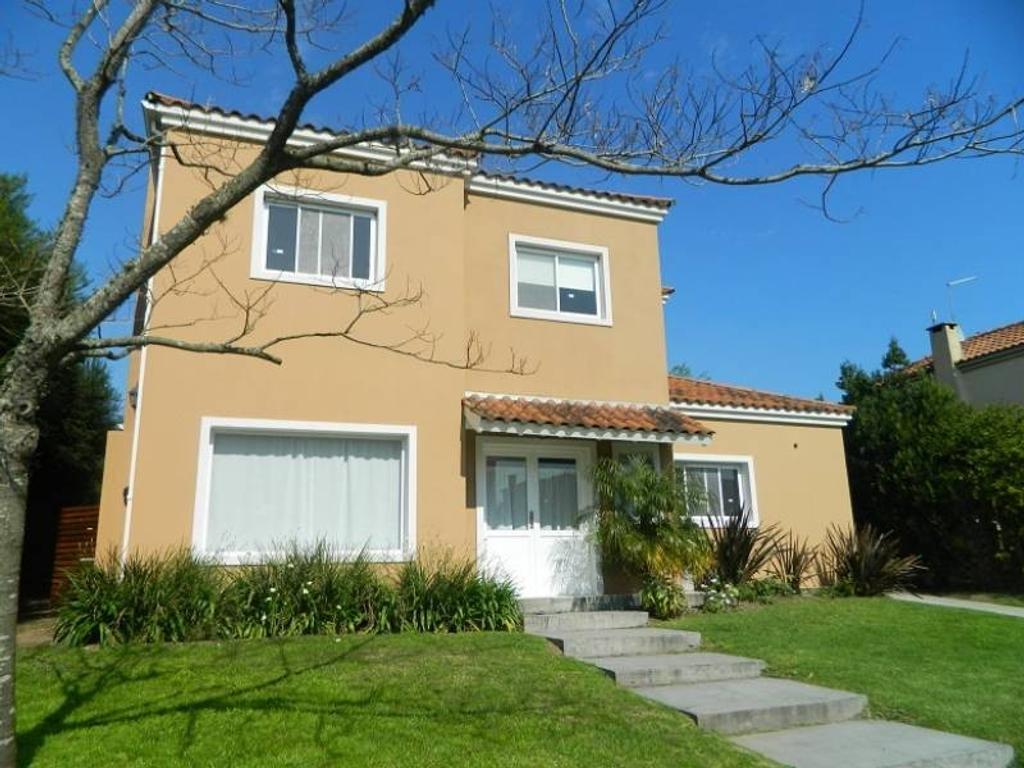 Casa a la venta en el barrio santa Catalina Villa Nueva Tigre