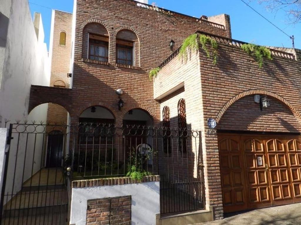 Casa en venta en j superi 4757 saavedra argenprop for Casa de azulejos en capital federal