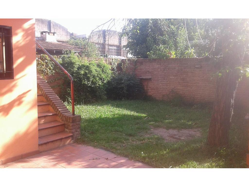 Ph al medio de 3 amb con jardin y terraza