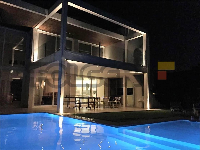 Exclusiva Casa a la Laguna en Venta en BARBARITA
