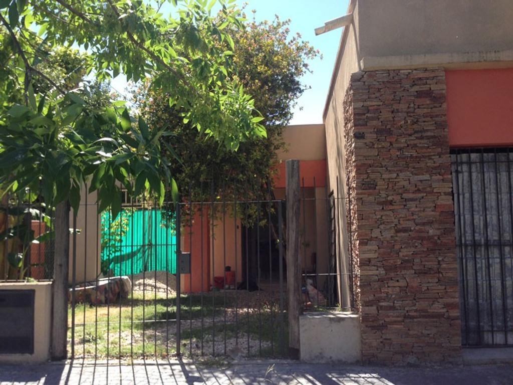Casa - Venta - Argentina, Morón - Zapiola 2115