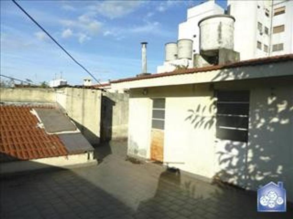 Departamento tipo casa en Venta de 4 ambientes en Capital Federal, Saavedra