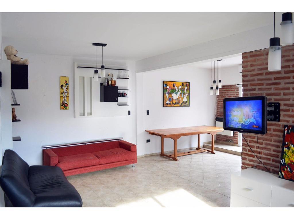 Casa 6 Amb 2 Bañ Coch Fte A Pza España 7 Y 66 $19000