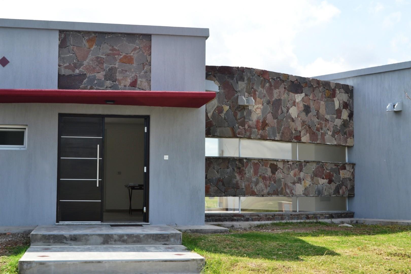 Casa en Venta en Zelaya - 5 ambientes