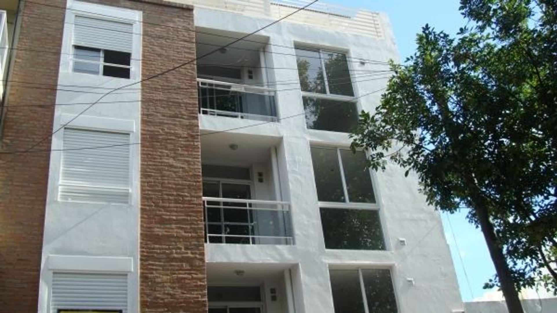 Departamento Venta. Dúplex con balcón