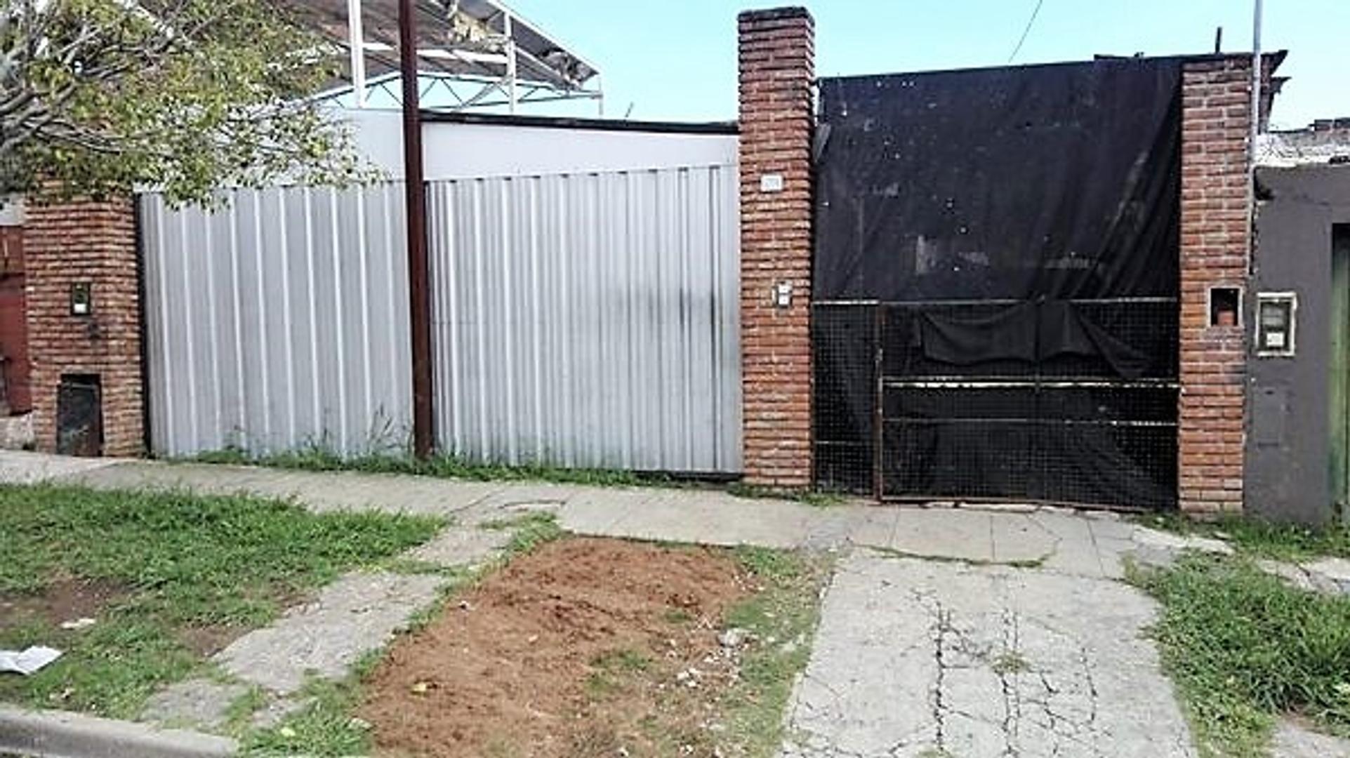 Casa 3 ambientes Lote propio Cochera Parque