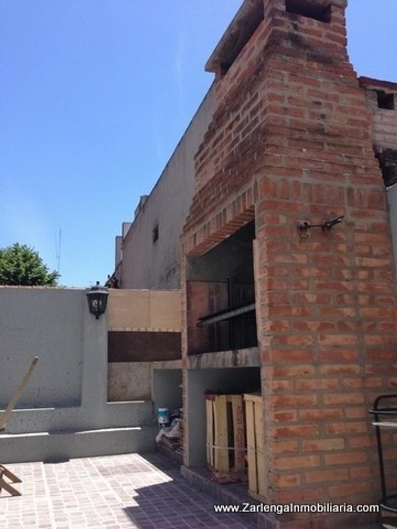 Pedro Goyena  500 PH de 5 Ambientes  en venta con terraza propia excelente estado