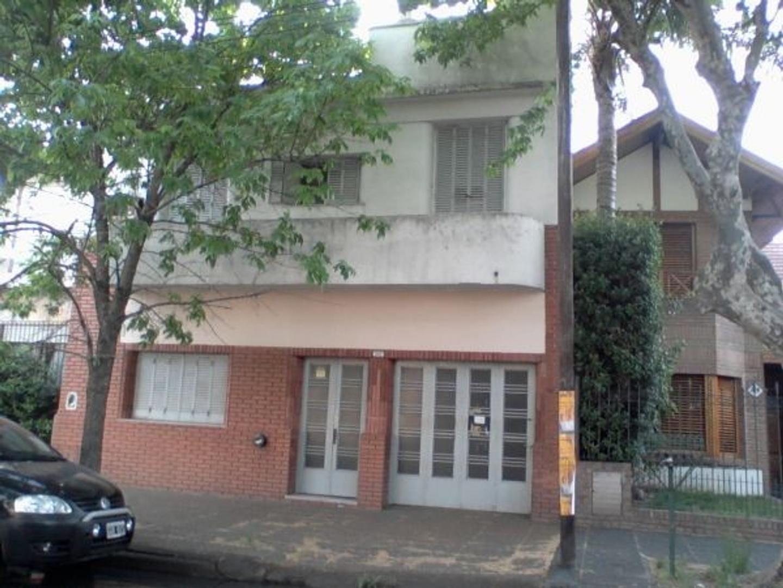CASA 4 AMBIENTES CON COCHERA LOTE 8,66 X 20