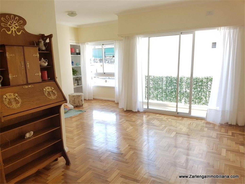 Billinghurst 1600 Departamento 8° semi piso de 3 Ambientes , con dependencia , balcon .
