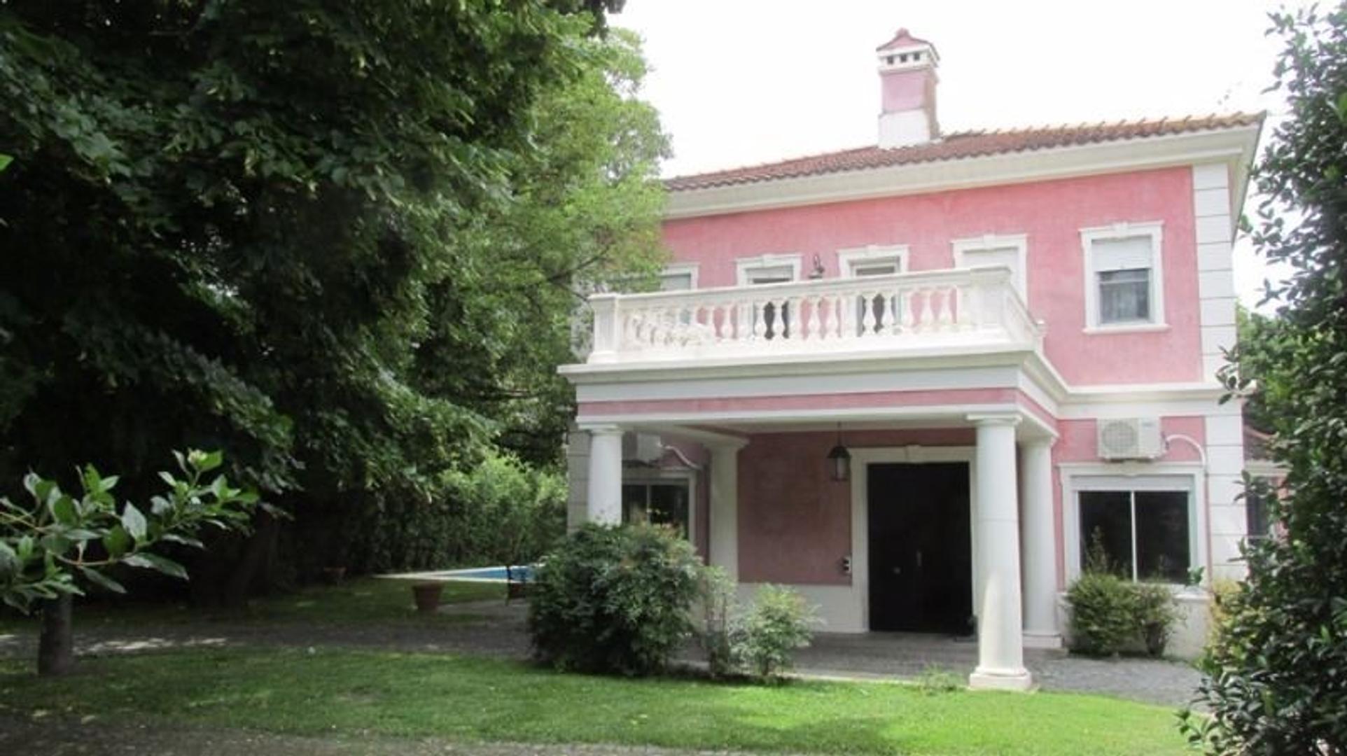 Lindisima casa en excelente ubicacion