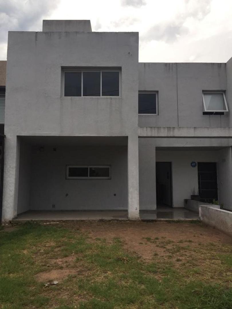 Vendo Duplex Dos Dormitorios Chacra del Norte