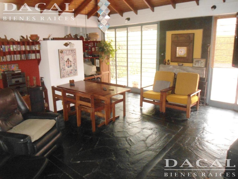 Casa en venta en  La Plata calle 5 e/ 66 y 67 Dacal Bienes Raices