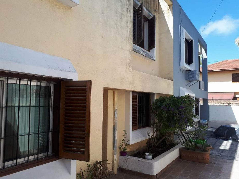 Duplex con cochera, 3 ambientes apto crédito Quilmes Oeste