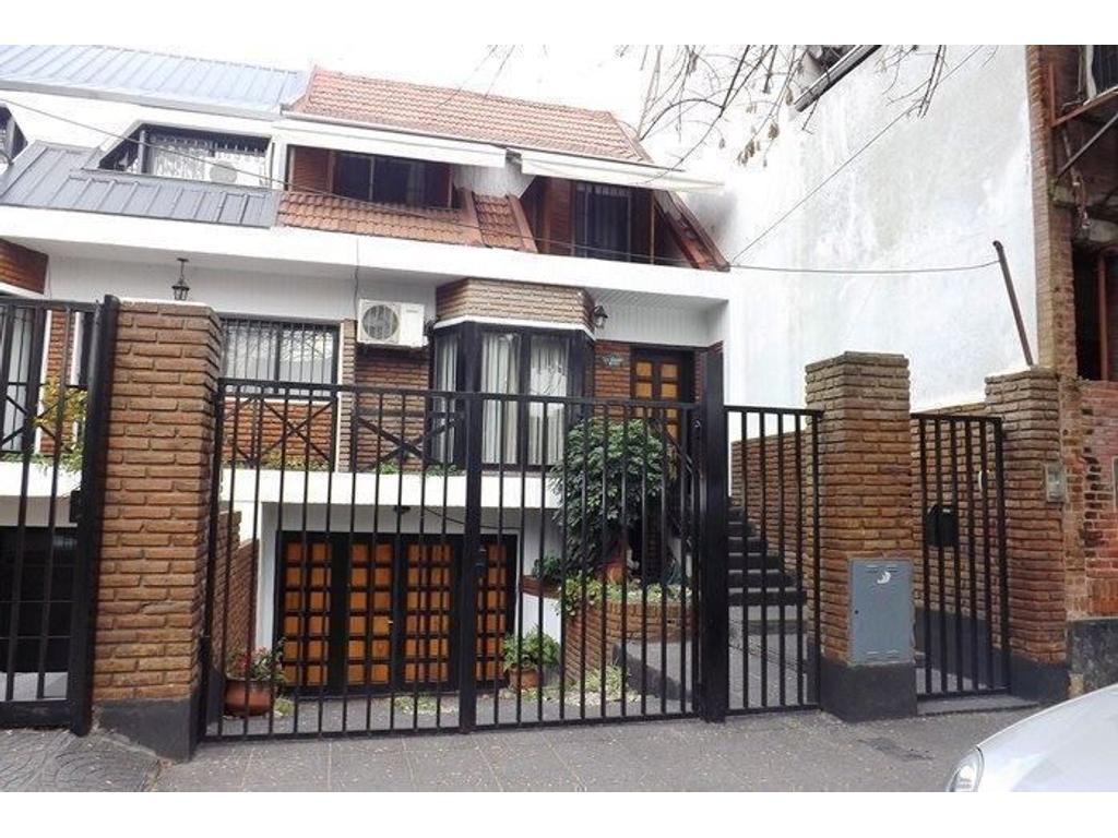Departamento tipo casa en venta en de los geranios 6172 for Casas en ciudad jardin el palomar