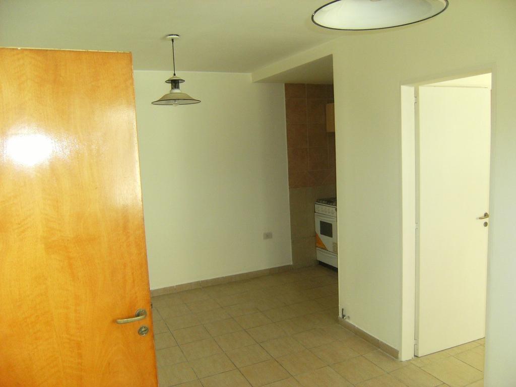Departamento 1 dormitorio Ituzaingo 1100. De escalera