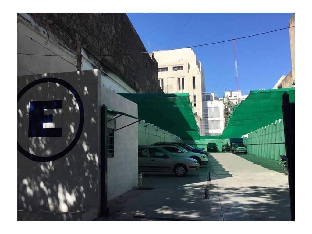 PLAYA DE ESTACIONAMIENTO 702 M2-CONSTITUCION