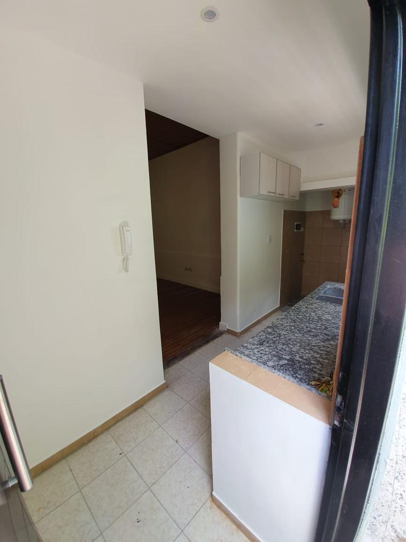 Departamento en planta baja, P.H. sin expensas, todo a nuevo Liv-com, 1 dormit.  y escrit. baño, cocina, terraza compartida, impecable!!!! - Foto 14
