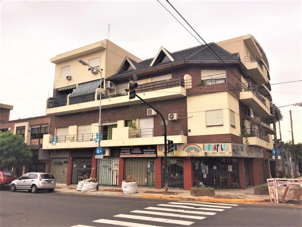Excelente departamento tres ambientes Ubicado en San Martín Centro.