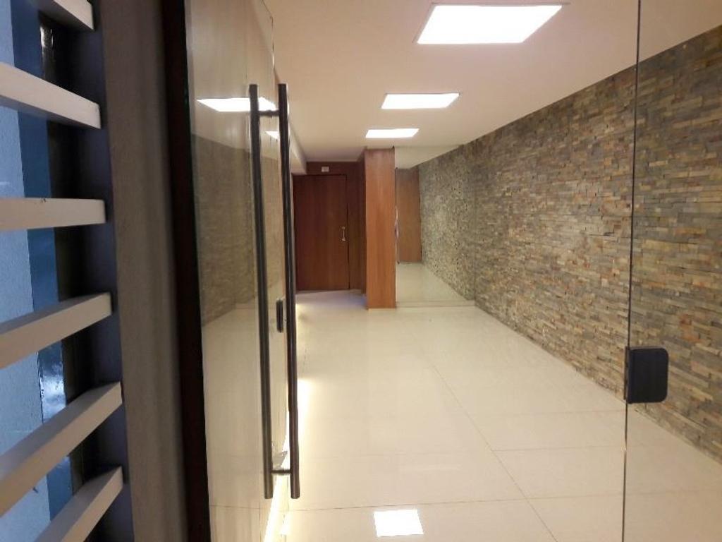 Hermoso Dúplex 2 Ambientes. Frente. Manuela Pedraza 1700. Opción cochera.