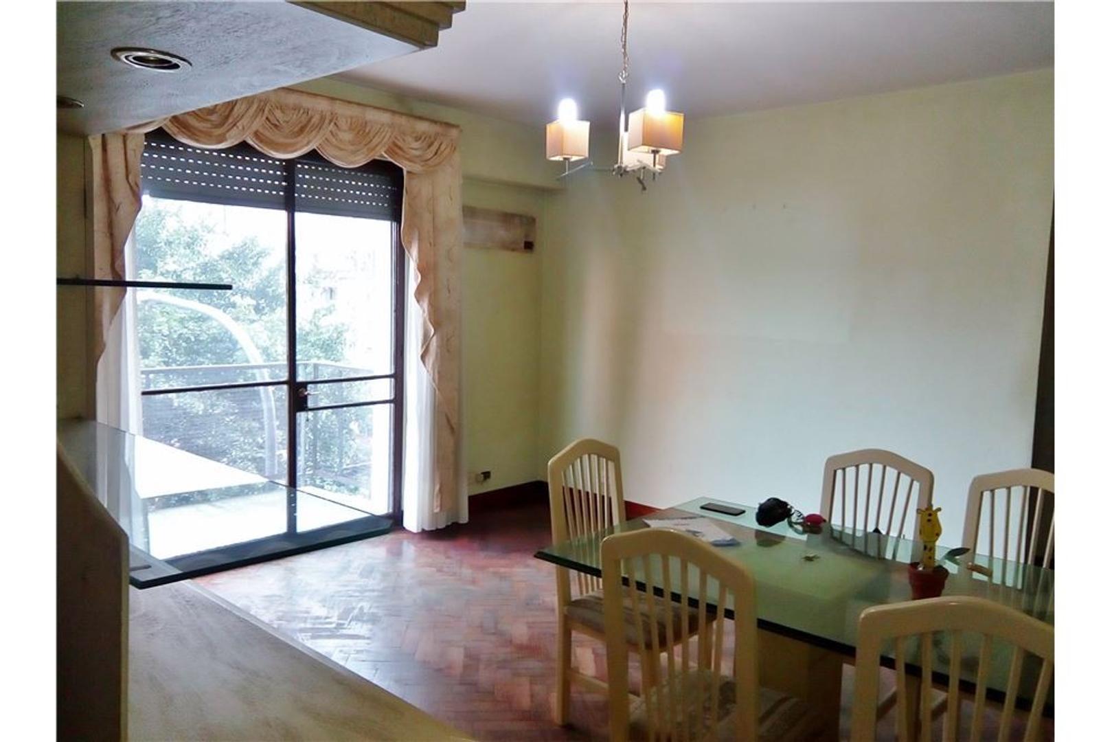 Luminoso 3 ambientes con balcón en Balvanera