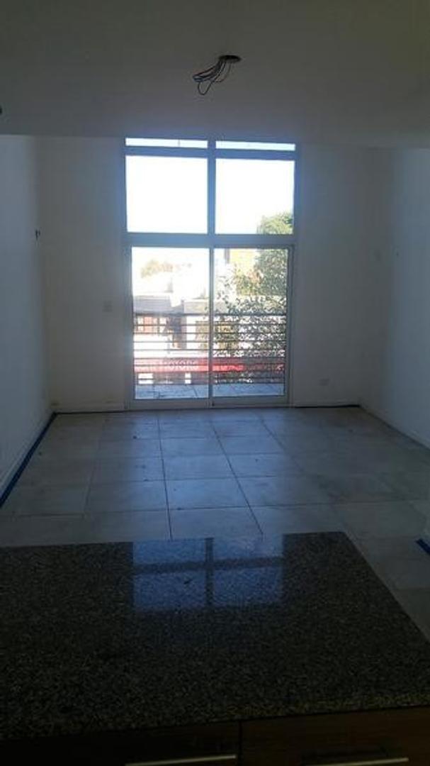 Departamento 2 amb en duplex con balcon c/ parrilla y cochera optativa
