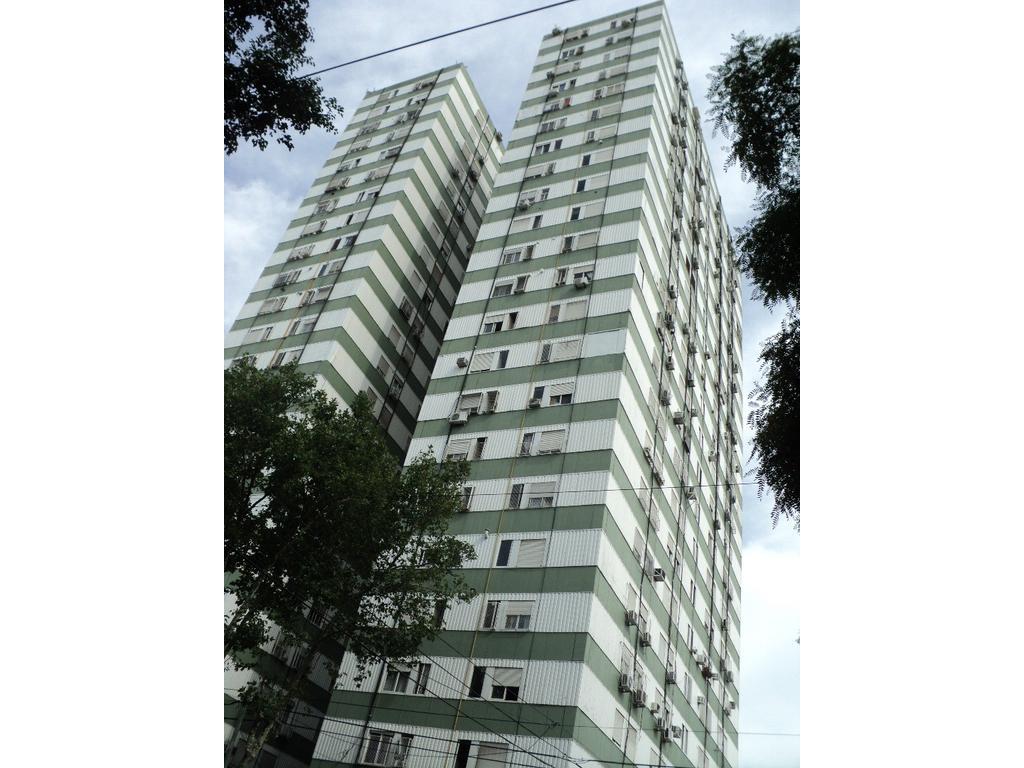 E Lobos y Bogota 3 amb externos 43m2  , edifc torre Vista panóramica U$S79000.-