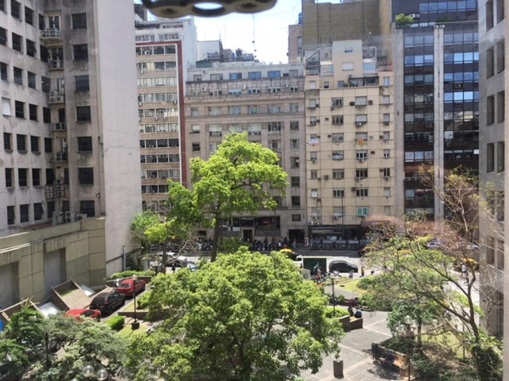 Excelente Oficina en edificio de estilo,a metros de Av. Corrientes