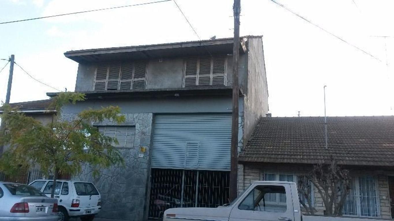 Bº LOS ANDES GALPON C/VIVIENDA