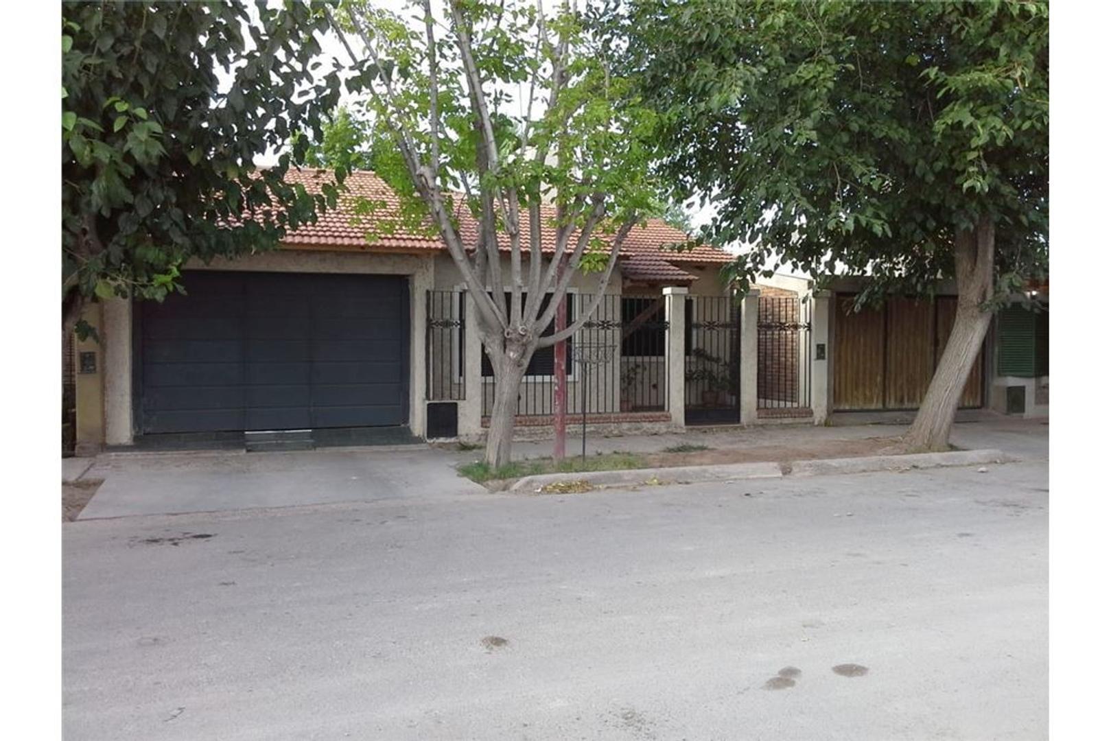 Casa en Venta en Bermejo - 5 ambientes
