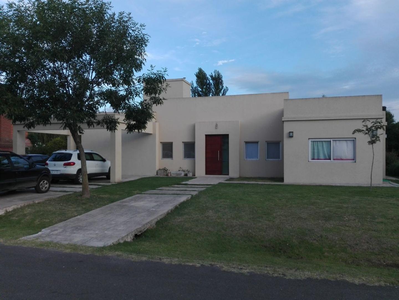 Casa  en Venta ubicado en Santa Ana, Zona Oeste - OES1035_LP160861_1
