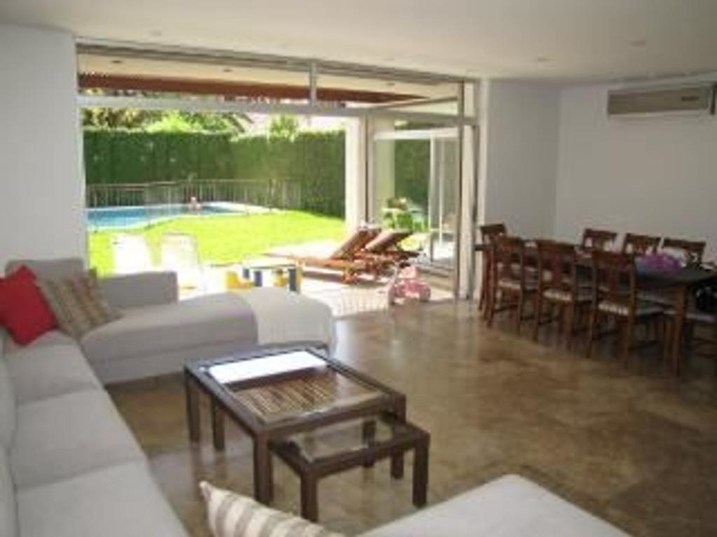 Casa en Venta de 5 ambientes en Buenos Aires, Pdo. de Vicente Lopez, Vicente Lopez