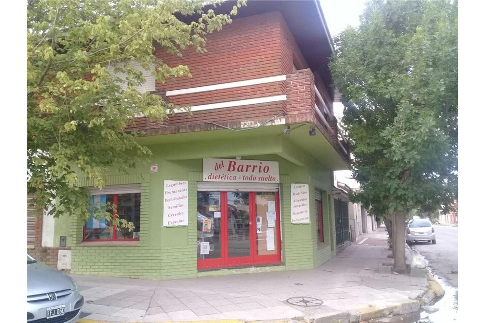 Local Comercial en excelente esquina.