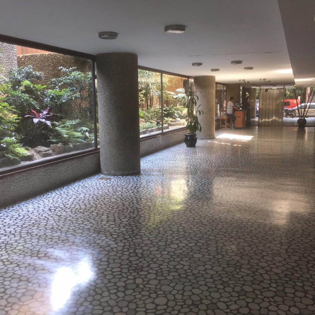 4 Dormitorios - 3 Baños - al frente - balcón - Cochera fija, baulera, S.U.M., Gym y Vigilancia.
