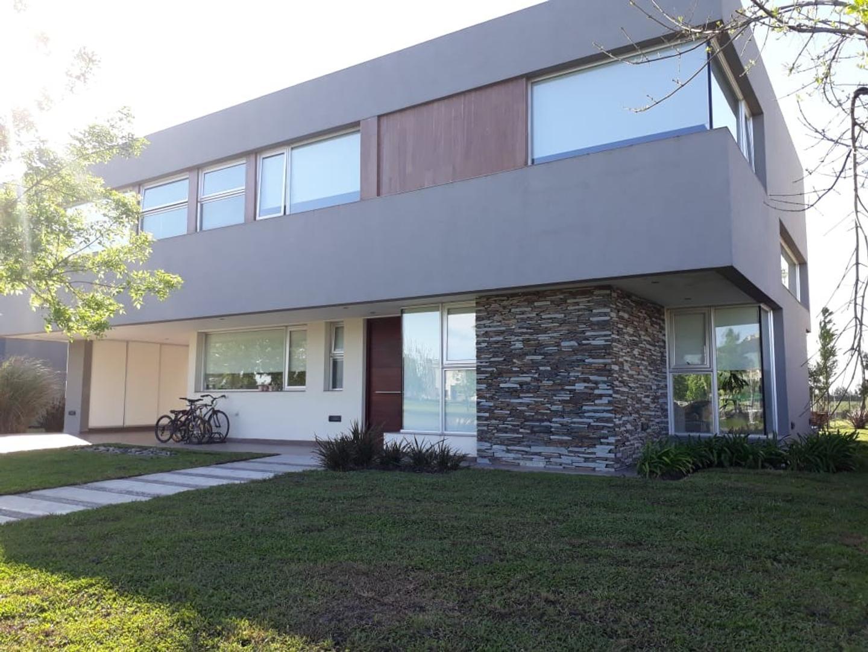 Casa en Venta en Terravista - 6 ambientes