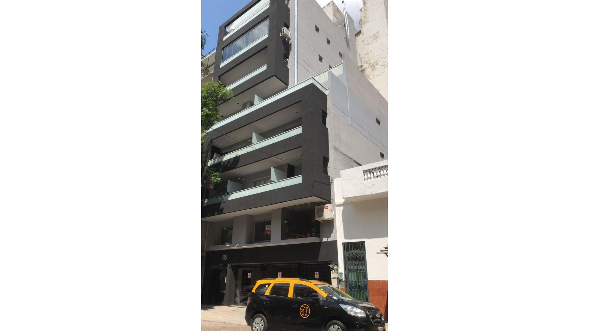 """1 amb. """"a estrenar"""" 2º piso frente Balcón aterrazado súper luminoso 42m2tot. mts Parque Centenario"""