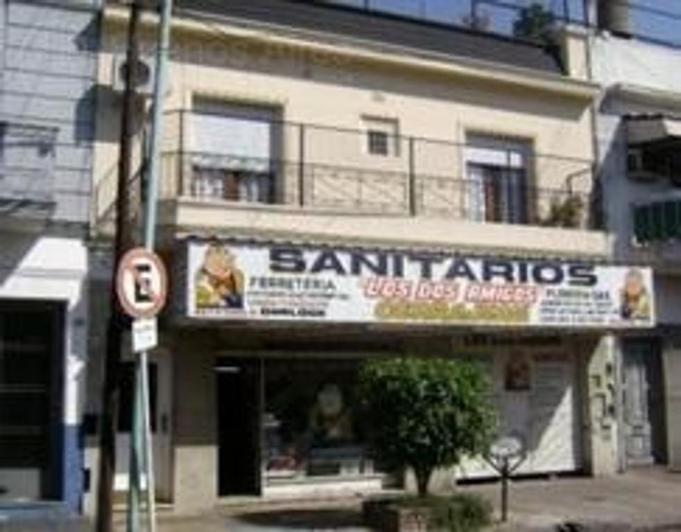 GALPON CON LOCAL AL FRENTE. ENTRADA CAMIONETA INFORMES 4573-2115