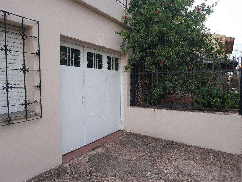 Casa - 230 m² | 4 dormitorios | 50 años